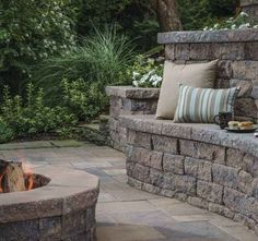 Terraced patio ideas. Fire Pit Seating, Wall Seating, Built In Seating, Patio Seating, Garden Seating, Stone Landscaping, Outdoor Landscaping, Outdoor Gardens, Terraced Patio Ideas