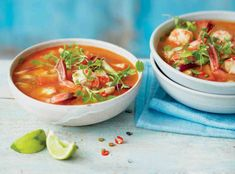 Není nic lepšího, než si v zimě dát mísu kouřící polévky. A právě ty v asijském stylu mají ještě něco navíc. Yams, Portobello, Pho, Bellisima, Tofu, Thai Red Curry, Food And Drink, Cooking, Ethnic Recipes