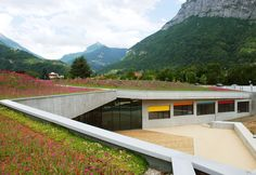 Gallery of Community Arts Center and Youth Club / Mas Architecture - 9