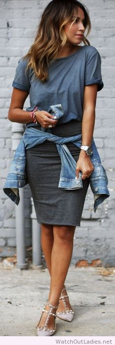 Gray basic pencil midi skirt