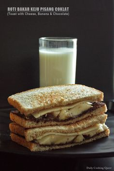 Roti Bakar Keju Pisang Coklat – Toast with Cheese, Banana, and Chocolate
