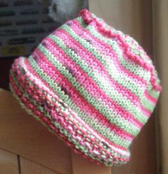 Free Knitting Pattern - Hats: Flower Pot Hat