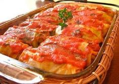 Gram's Galumpki Recipe (Polish/German Cabbage Roll) Made from lightly soft boiled cabbage leaves wrapped around minced pork or beef, chopped onions, and rice or barley baked in a casserole dish in a tomato sauce. Polish Golumpki Recipe, Beef Recipes, Cooking Recipes, Pastry Recipes, Cooking Pasta, Cooking Steak, Cooking Bacon, Gastronomia, Veggies