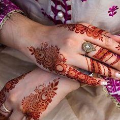 Modern Henna Designs, Mehndi Designs For Kids, Floral Henna Designs, Finger Henna Designs, Mehndi Designs Feet, Beginner Henna Designs, Back Hand Mehndi Designs, Latest Bridal Mehndi Designs, Wedding Mehndi Designs