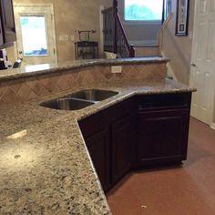 Beige Butterfly Granite Expresso Kitchen Cabinets
