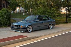 BMW E34 5 series grey slammed