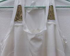 din don R$180 aquele vestido que cê sempre quis que o entregador de vestidos colocasse em sua
