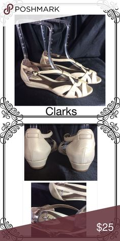 Clarks Artisan Dressy Sandals EUC // active Air cushion// leather upper // Clarks Shoes