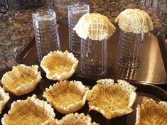 Pizzelles (pronounced Pitt-SELLS) are Italian cookies that are baked in an electric appliance that looks something like a waffle iron. Normally they are left in a flat shape, but with this recipe, you Italian Cookie Recipes, Italian Cookies, Italian Desserts, Italian Foods, Pizzelle Cookies, Galletas Cookies, Cookies Et Biscuits, 13 Desserts, Delicious Desserts
