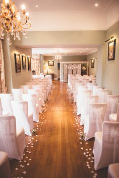 Indoor weddings at the Deer Park are just as special as our outdoor ceremonies during the summer... decorate our stunning Dining Room with petals, candles, and chair covers for a stunning winter ceremony room...