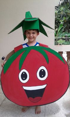 Nutrition Month Costume For Kids Diy Paper Crafts For Kids, Preschool Crafts, Diy For Kids, Gifts For Kids, Diy And Crafts, Arts And Crafts, Tomato Costume, Nutrition Month Costume, Vegetable Costumes