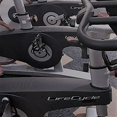 NEW SPIN CLASS tonight at 6.30pm - book in NOW guys and girls £5 or FREE to Hangar members 🚴♀️