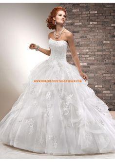 Robe de mariée princesse avec bustier dentelle applique