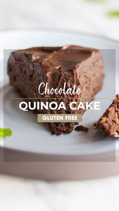 This Chocolate Quinoa Cake is easy to make, light and fluffy, and very similar in taste to a traditional cake. It is sugar free and sweetened only with fruit. We love it with my (sweet potato) Healthy Chocolate Frosting. Healthy Cake Recipes, Healthy Sweets, Healthy Baking, Baking Recipes, Healthy Desserts With Fruit, Healthy Chocolate Desserts, Dessert Healthy, Kale Recipes, Dessert Food