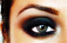 A Dark Smokey Eye #eyeshadow #makeup