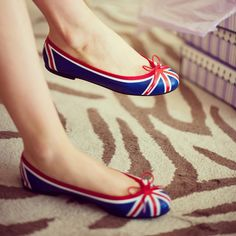 London Sole Henrietta UK Flag ballet flats- Paint some flats like this? Crazy Shoes, New Shoes, Me Too Shoes, British Things, Uk Flag, British Style, British Fashion, Union Jack, Pumps