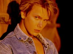 River Phoenix (1970-1993) Phoenix is best known for his roles in Stand By Me, Indiana Jones and the Last Crusade, My Own Private Idaho, Explorers, The Mosquito Coast, and The Thing Called Love. Phoenix died of a massive overdose of cocaine and heroin. Phoenix is the brother of Joaquin, Rain, and Summer Phoenix.