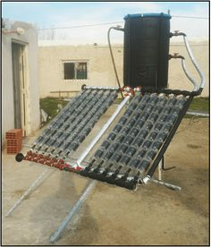 An interesting solution to heat water in our homes A solar thermal collector is used to heat water from solar energy, replacing, in a certain proportion, the use of. Pool Heater, Solar Water Heater, Renewable Energy, Solar Energy, Solaire Diy, Installation Solaire, Alternative Energie, Solar Collector, Solar Panels For Home