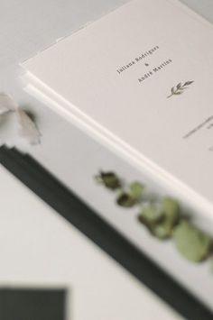 Ensaio pré wedding num clima aconchegante e intimista em Campos do Jordão – Juliana Marriage Invitation Card