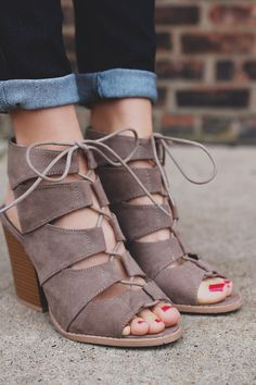 9f46810b29af 982 Best Pocketbooks shoes boots and sandals images in 2019 ...