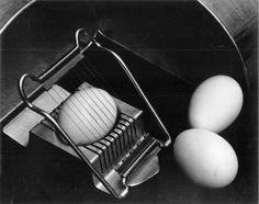 Edward WESTON :: Eggs and Slicer, 1930