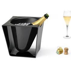 Design of new champagne bucket for PEUGEOT,
