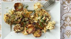 Välipalaksi grillattu kukkakaali Cauliflower Recipes, Shrimp, Meat, Chicken, Food, Califlower Recipes, Essen, Meals, Yemek