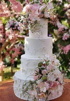 Wedding Goals, Dream Wedding, Wedding Day, Royal Cakes, Cake Bouquet, Bridal Table, Crazy Cakes, Dream Cake, Wedding Cake Inspiration