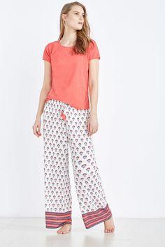 Pijama largo corbatero | Pijamas largos | Women´secret Night Wear Dress, Night Gown, Pink Silk Pajamas, Pyjamas, Night Outfits, Outfit Night, Night Suit For Women, Lingerie Outfits, Pajama Outfits
