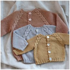 Vinterdrakt / Winter romper (norwegian and english) Kids Knitting Patterns, Baby Sweater Patterns, Knitting For Kids, Knitting Projects, Crochet Patterns, Crochet Bebe, Knit Crochet, Baby Pullover Muster, Tricot Baby
