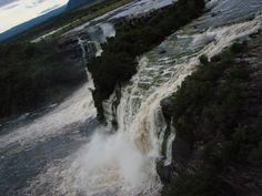 Salto Canaima en río Carrao