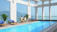 Nestled in the heart of My Khe Beach, Diamond Sea Hotel is an ideal spot from which to discover Da Nang. Only 3.5 km from the city center, the hotel's strategic location ensures that guests can quickly and easily reach many local points of interest. With its convenient location, the hotel offers easy access to the city's must-see destinations.
