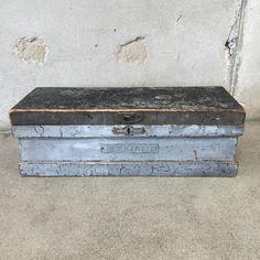 Gray Vintage Wooden Toolbox – UrbanAmericana