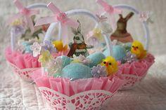 Vintage Easter Nut Cup basket  -Kathy H