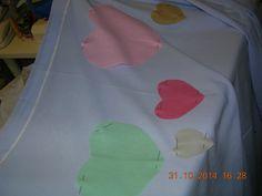 posizionati come toppe per coprire i buchi e...come ornamento