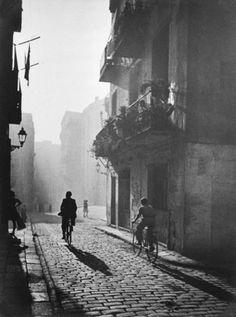 Barcelona, 1940s by Otho Lloyd