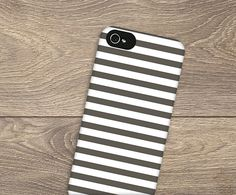 This phone case has a fun stipe pattern that you can make your own by simply changing the color. #stripes #design