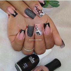 Clique na Foto e Receba + de 200 Ideias Internacionais de Unhas Pintadas. Classy Nails, Stylish Nails, Trendy Nails, Acrylic Nail Designs, Nail Art Designs, Acrylic Nails, Cute Toe Nails, Love Nails, Nail Art Printer