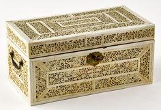 Caixa em marfim indo-portuguesa Sec. XVII-XVIII