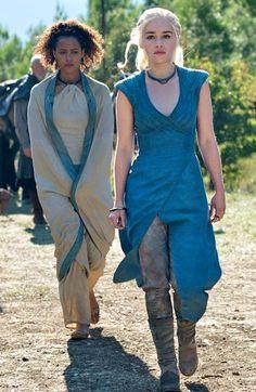 'Game of Thrones': Emilia Clarke ranks her Daenerys costumes | EW.com