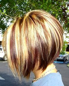 Stacked Bob Hairstyle  http://www.prettydesigns.com/bob-hairstyles/
