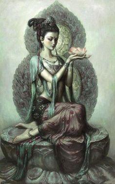 Kuan Yin sentada con loto.