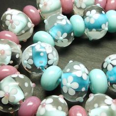 Lampwork glass floral Ditsybeads - See this Instagram photo by @beadsbylaura • 82 likes