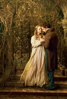 Eddie Redmayne and Amanda Seyfried - Les Miserablés ....LOVE this picture...so gorgeous.