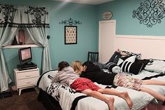 turquoise walls, black accents, teen girl room
