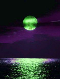 .Haunting Green Moon