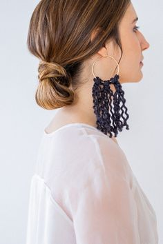 French Wedding Style, Small Acts Of Kindness, Sustainable Wedding, Bali Fashion, Macrame Earrings, How Many People, Simple Elegance, Unique Earrings, Decoration