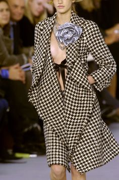 No one does houndstooth better than #Chanel    |   #cassylondon #unusualstyle