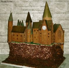 Harry Potter's Hogwarts School of Wizardry and Witchcraft - made of gingerbread!