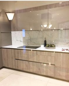 Are you looking for a truly stunning finish to your interior design project? here we present some interior glass kitchen designs interior modern 18 Interior Kitchen Glass Surfaces Design Ideas 15 Modern Kitchen Interiors, Luxury Kitchen Design, Kitchen Room Design, Contemporary Kitchen Design, Kitchen Cabinet Design, Home Decor Kitchen, Interior Design Kitchen, Kitchen Modern, Modern Interior
